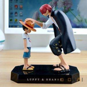 Shanks entrega sombrero a luffy figura Figuras de One Piece Merchandising de One Piece